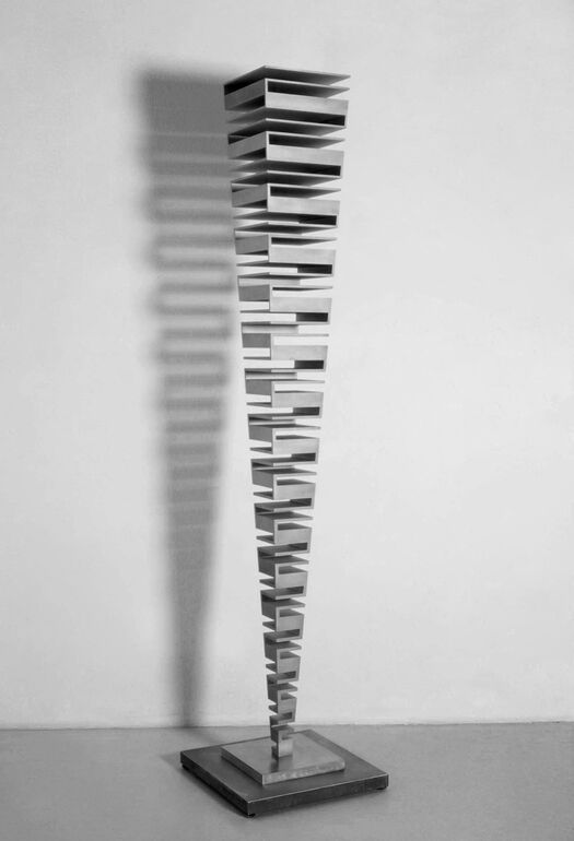 Martin Willing, Quadratschichtung, zweiachsig, wachsend, 2001 Foto Wolfgang Lukowski, Frankfurt ©VG Bild-Kunst Bonn 2019, Foto Wolfgang Lukowski, Fran